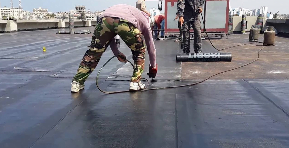 أفضل الطرق في عزل الاسطح بالرياض